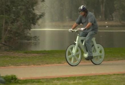 Bici cartone Izhar Gafni