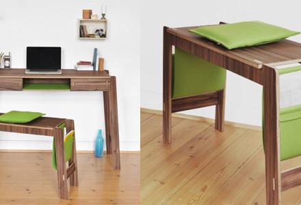 Smoly desk