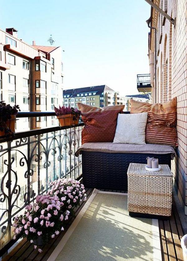 Come arredare balcone piccolo 10 for Arredare un balcone