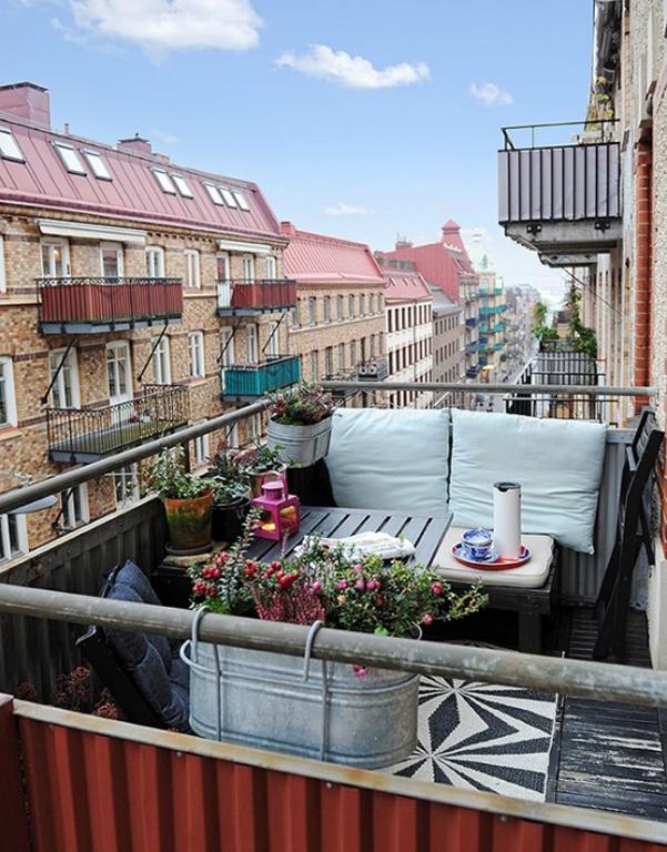 Come arredare balcone piccolo 30 for Idee arredo balcone