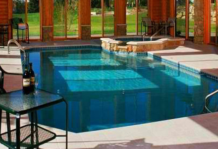 idee-decor-piscine-coperte
