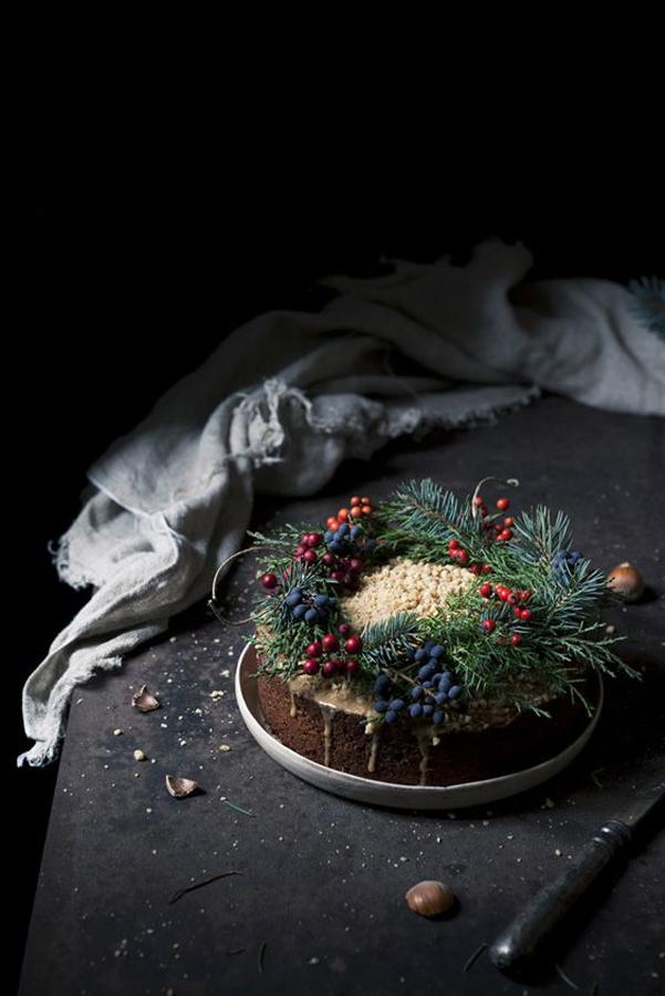 Idee decor addobbi natalizi di colore scuro - Addobbi natalizi sulla tavola ...