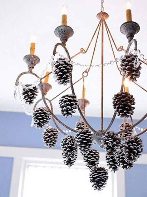 idee lampadario : Idee decor: addobbi natalizi per i lampadari DesignBuzz.it