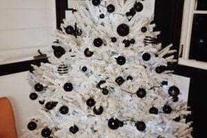 idee-decor-addobbi-natalizi-bianco-nero-02