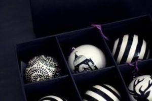 idee-decor-addobbi-natalizi-bianco-nero-12