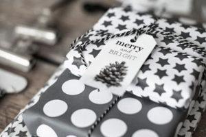 idee-decor-addobbi-natalizi-bianco-nero-23