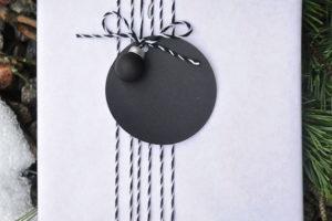 idee-decor-addobbi-natalizi-bianco-nero-24