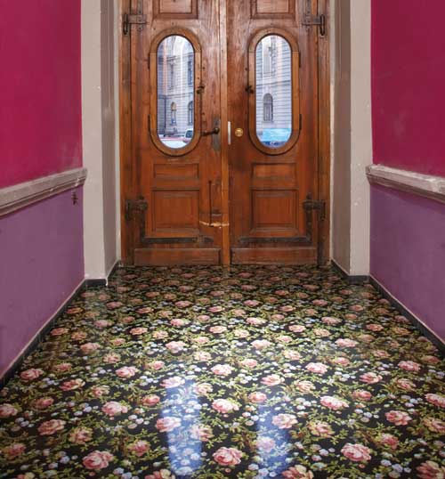 jannelli volpi la carta da parati diventa pavimento