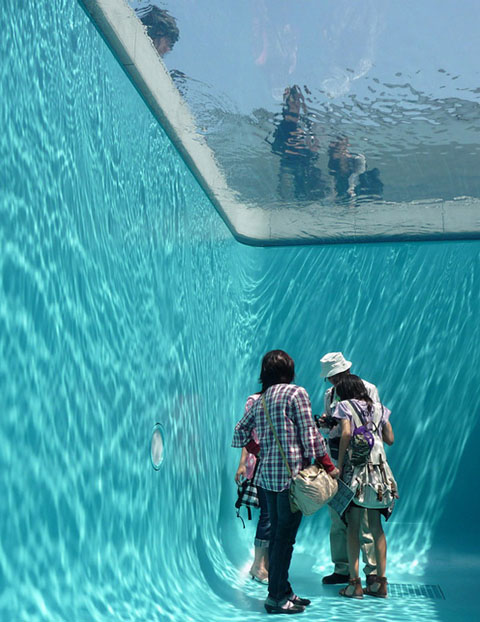 Pool room Leandro Erlich