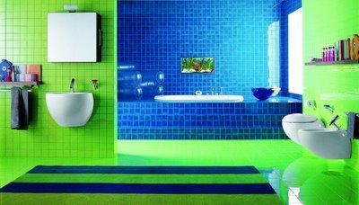 marvellous green white blue bathroom | Idee per arredo bagno colorato | DesignBuzz.it