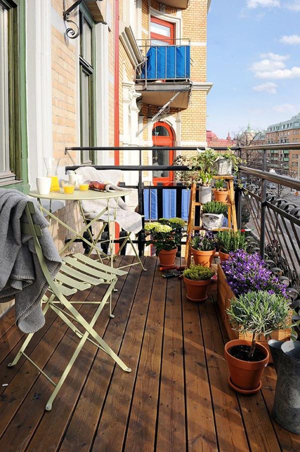 Come arredare balcone piccolo 16 for Arredare il balcone