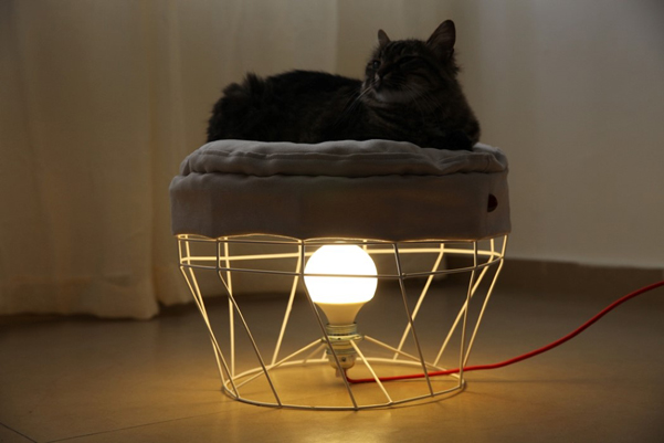 Duet lo sgabello con lampada che i gatti ameranno designbuzz