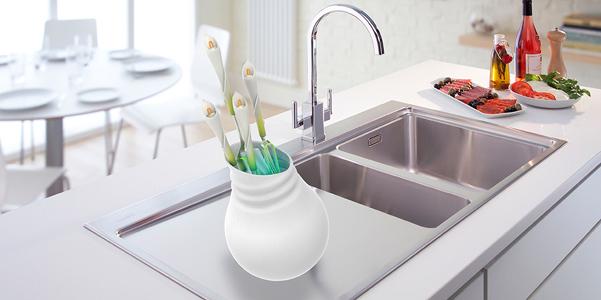 Utensili da cucina Lily set come fiori in vaso | DesignBuzz.it