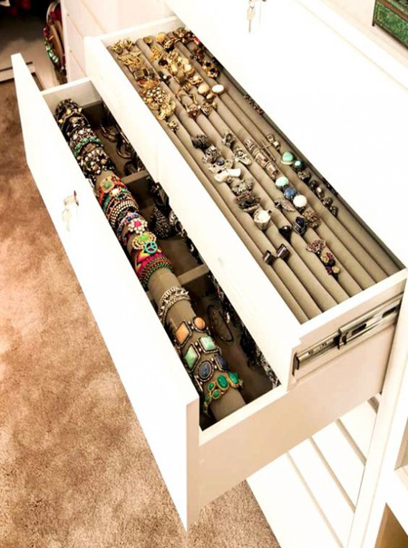 Idee per organizzare i gioielli - Porta collane ikea ...