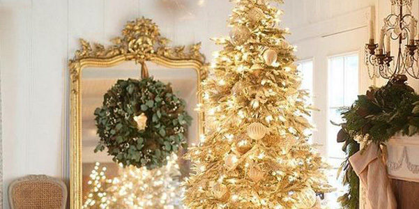 Immagini Natale Oro.Idee Decor L Albero Di Natale D Oro Designbuzz It
